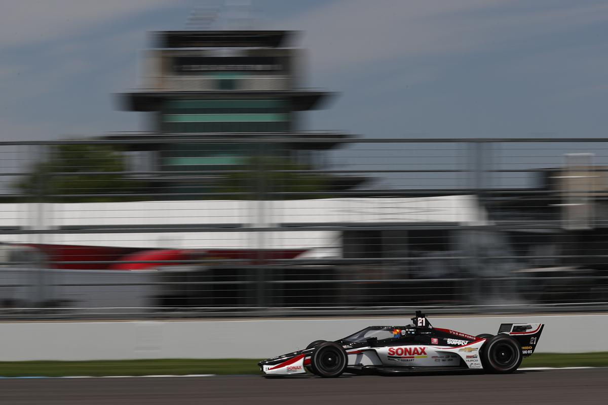 TOP 5 FINISH FOR RINUS VEEKAY AT THE INDIANAPOLIS MOTOR SPEEDWAY